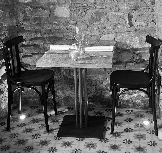Tavolo apparecchiato al Come  a Casa